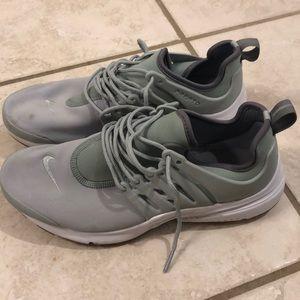 Nike air presto tennis shoes